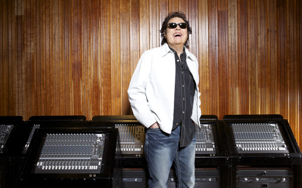 "Multi-genre artist, Ronnie Milsap, brings the ""Smoky Mountain Rain"" to Cleveland, Ohio at Hard Rock Rocksino Northfield Park"
