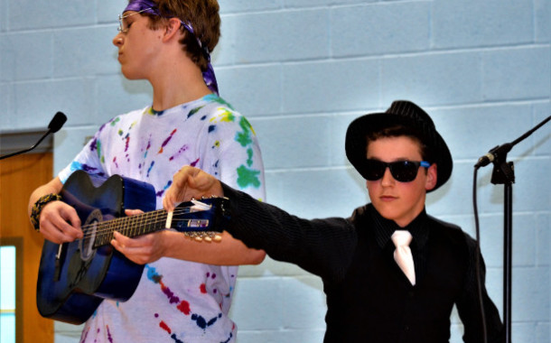 "Vic's Corner: St Barnabas 7th and 8th Graders Present the Mystery Play ""Inn-Cognito"""