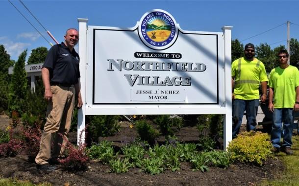 Vic's Corner: Northfield Village Mayor Nehez lends a hand on Rt.8 and Ledge Rd Beautification