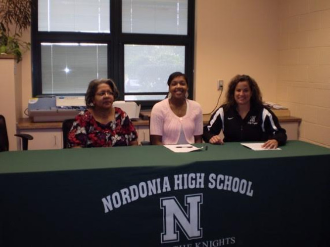 Brittany Kilgore signed to play basketball at Mount Union in 2009