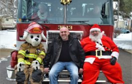 Santa Claus is Coming to Northfield Village!